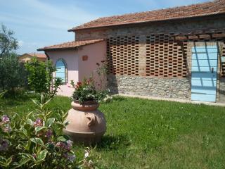 fienile in casale toscano, Lajatico