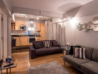 Stylish And Modern Two Bed Apt In Covent Garden, Londres