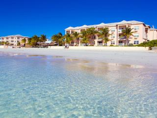 Island Seas Resort: 2-BR, Sleeps 6, Full Kitchen