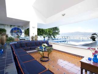 Casa Delfin Panoramic View of Acapulco Bay