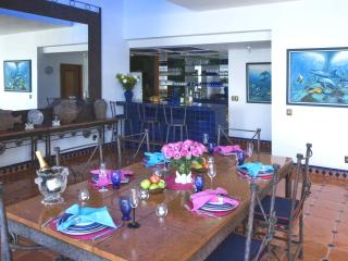 Dinning room all set for a fantastic meal