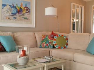 Karyn's Oasis ~ 13C ~ On the Beach  (2 Bedrooms), New Smyrna Beach