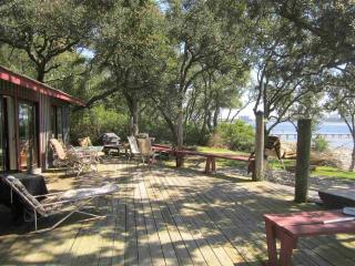 Beach Cottage at RoLo Landing on Innerarity Point