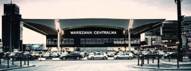 Warsaw Central Train Station is 800meters from Lovely Sunny Flat.