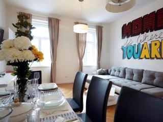 90 m² Cozy & Splendid Apartment for 4-6 People, Viena