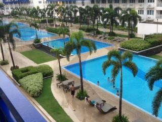 Sea Residences with Balcony Pool View, Pasay
