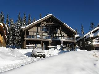 South Face B,Snowpines Estates, in Big White Sleeps 10