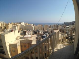 Il Tluq appartement 3 chambres vue mer, Marsalforn