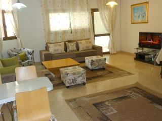 3br  Shalom Aleichem with sea view near the beach, Tel Aviv