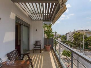 2 Bdrm Apt with Sea View in Glyfada