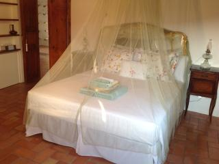 Bedroom in DeQuDa countryhouse, Mosciano Sant'Angelo