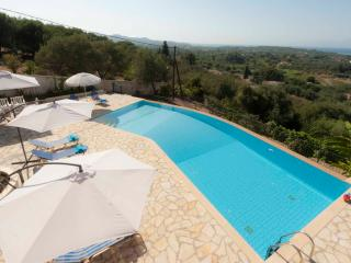 Stylish Regina Rossa Main House among olive trees with unique sea views!