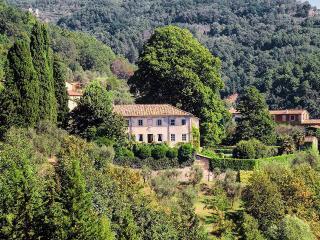 Villa Spada, Sleeps 10, Migliano
