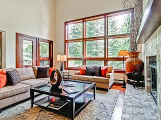 Potato Patch Club Townhomes, Sleeps 12, Vail