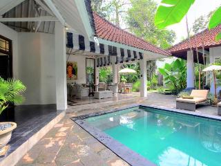 Charming four bedroom Seminyak villa, 4BR