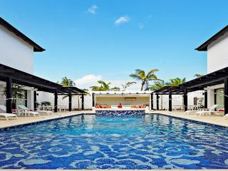 CHIC Mansion Punta Cana, Sleeps 12, Uvero Alto