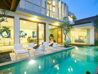 NEW!! 4BR VILLA AZURE - PURE LUXURY IN SEMINYAK