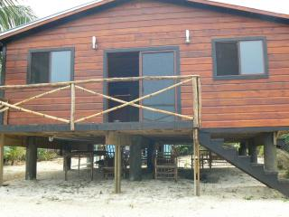 Roatan beach house, French Harbour
