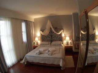 Romantic Holiday Apartment IRIS (10) Crete, Rethymnon