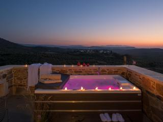 Lameriana Secret Suite with private  jacuzzi, Panormos