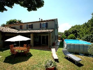 Semidetached house with private pool and garden, Allerona