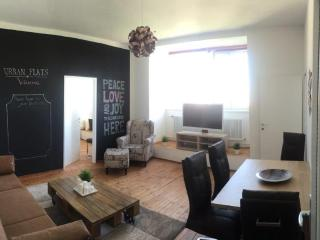 65m² Trendy 2 Bedroom Apartment for up to 6 People, Wien
