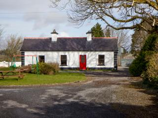 Rockview House self catering Traditional newly  renovated 200 year cottage charm, Charlestown