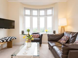 Winter Offer! Holiday Magic in Fulham, Londen