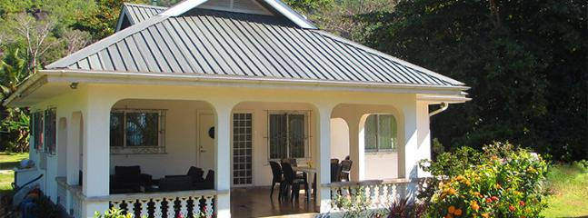 Peax Villa Self-Catering Establishment, Grand Anse