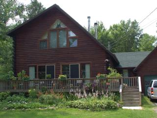 Lake House Bed and Breakfast, Champlain