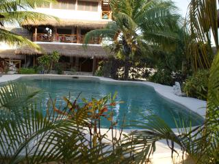 ENSUEÑO HOLBOX APARTMENTS PISCINA