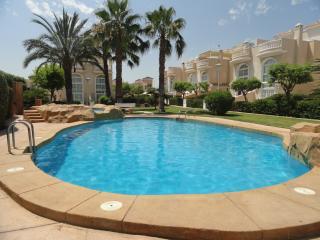 Holiday villa rental with shared pool, Guardamar del Segura