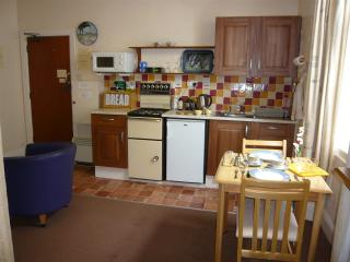 Holly-Lets Self Catering - Apart' 3