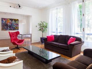 High quality apartment near the Eiffel Tower, Parijs