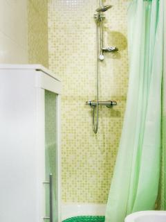 stanza da bagno n. 2 / toilette n.2 / salle de bain n. 2