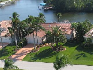 Villa Niccola - Gulf Access Canal Pool Home Sleeps 6