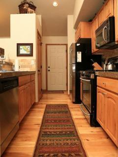 BONUS PHOTO: Kitchen