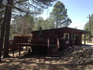 COZY CABIN, 2Br/1Ba , Hot Tub, Central Air, Ruidoso