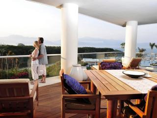 Grand Luxxe Villa (Tower 1) With Free Golf