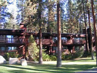 Super House in Lake Tahoe (009), Lago Tahoe