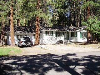 (110a) 3 Bedrooms / 2.5 Baths - Sleeps 10, Lake Tahoe (Nevada)