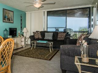 Hibiscus Resort - A201, Ocean Front, 2BR/2BTH, 3 Pools, Wifi, Saint Augustine