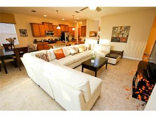 Newly Finished Beautifully Furnished 4 Bedroom, Davenport