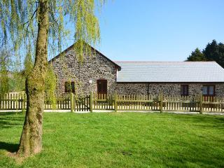 TWBAK Barn situated in Torrington (1ml NE)
