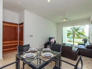 Condos for rent Playa del Carmen - Dining and living area - Casa del Mar Zanzibar