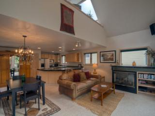 Madison Pacific Townhome (1 bedroom, 1.5 bathrooms), Telluride