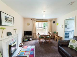 Tytler Gardens Apartment - Quiet Central Location, Edinburgh