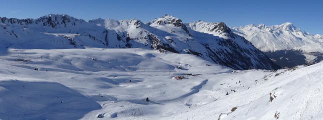 Vue depiuis le hors piste du Grand Col 2875 m