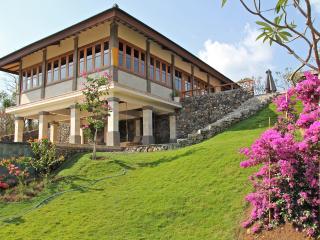 Villa Nandini, Sumberkima Hill