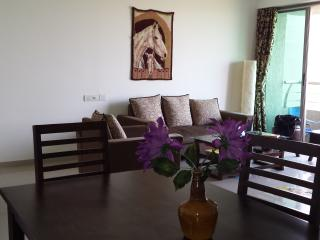 Serviced apartment condo Mumbai Oberoi Splendor
